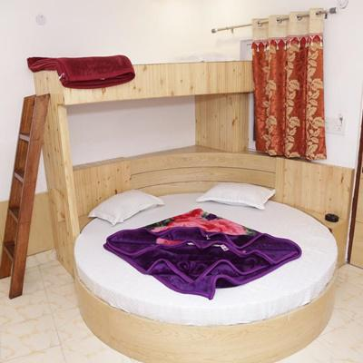 New King By Backpackers Heaven in Paharganj