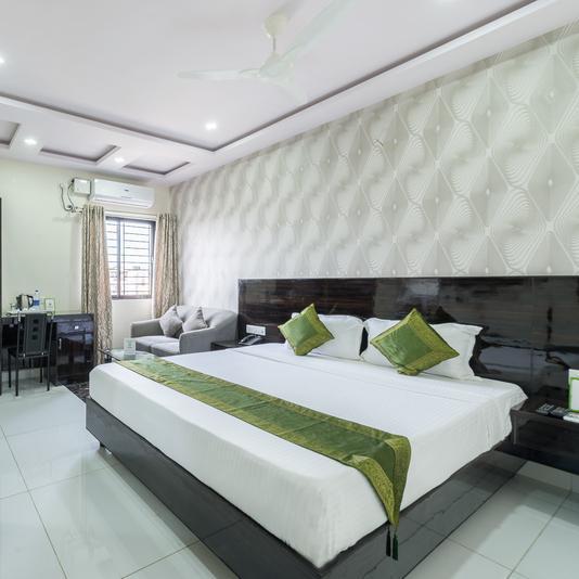 Treebo Greenwood Premier Suites in Indiranagar