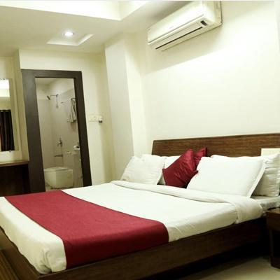 Hotel Aditya Palace in MP Nagar