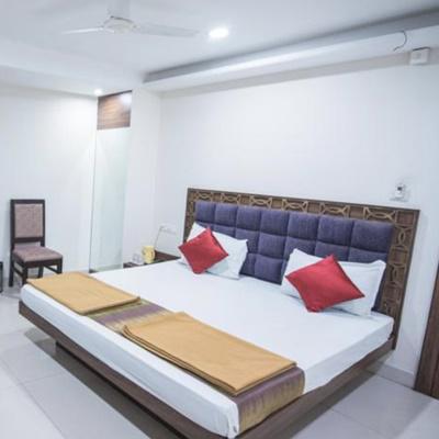 Hotel Gaurav Palace in Maharana Pratap Nagar