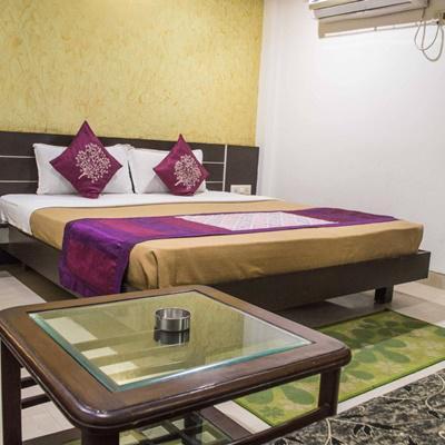 Hotel Pleasure Inn in Maharana Pratap Nagar