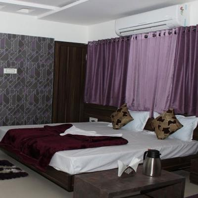 Hotel Ashirwad Regency in Railway Colony
