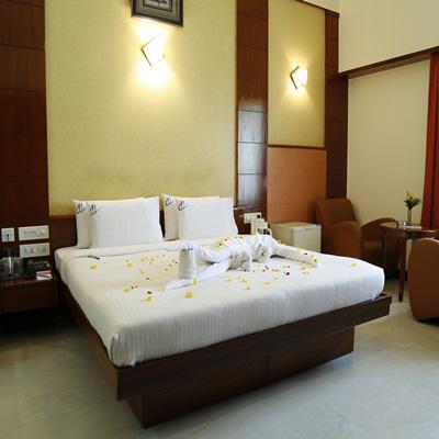Hotel Chennai Deluxe in Koyambedu