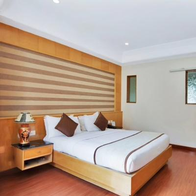 Ilara Hotel & Spa in Navallur
