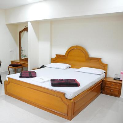Lloyds Guest House, North Boag Road, T. Nagar in T Nagar