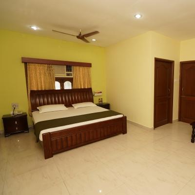 Lloyds Guest House, Chennai - Hotels by hour