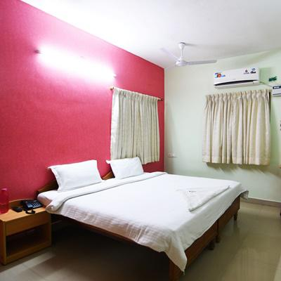 Ulo Green Apple Inn Kandanchavadi in Ayush Pooja Avenue