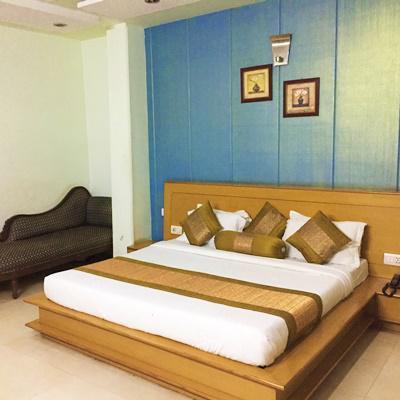 HBC Hotel Blue Bell in Karol Bagh