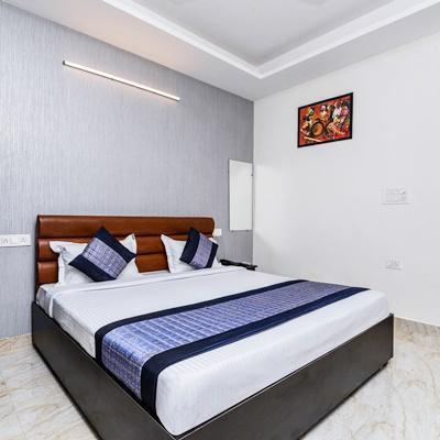 Hotel Diamond Blue in Dwarka Sector-7