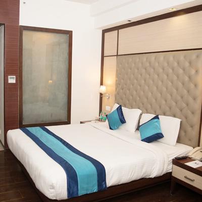 Hotel Mint Oodles in Nehru Place, Kalkaji