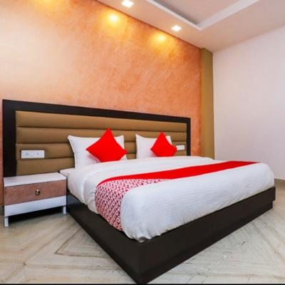 Hotel Nights Inn in Rohini