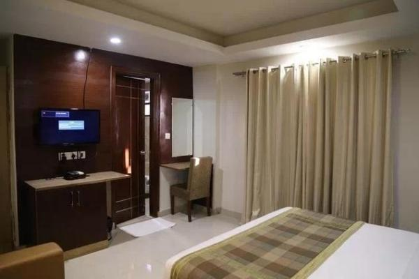 Hotel Balsons International in East Patel Nagar
