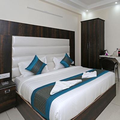 Hotel Rudraksh Plaza in Mahipalpur