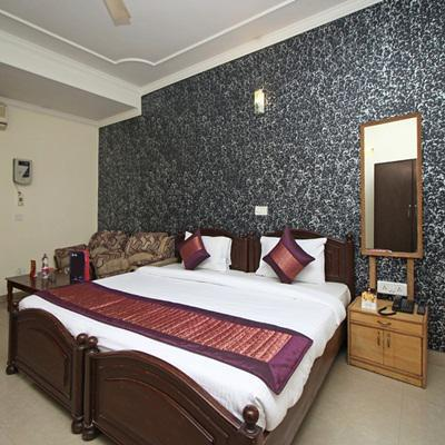 Hotel Smart Stay in Mahipalpur(Near IGI Airport)