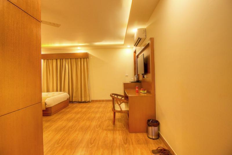 Viva Hotel & Banquet, Delhi