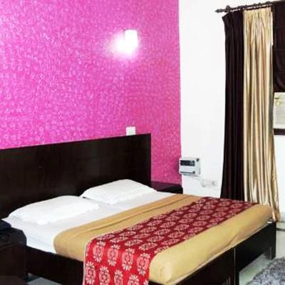 Viva Destination in Shanti Nagar