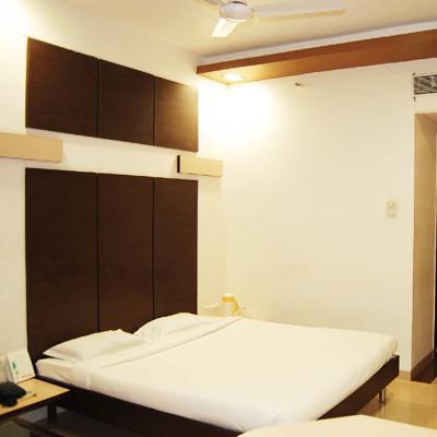 Hotel Apna Palace in Dhar Nagar
