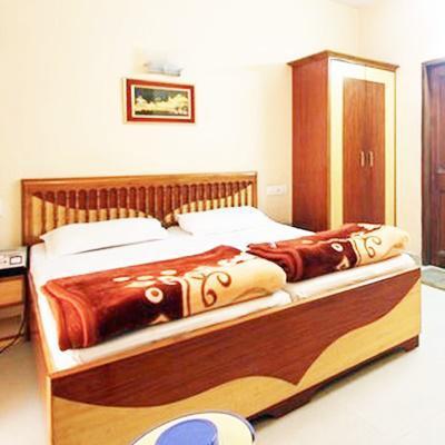 Hotel Sweet Dreams in Film Colony