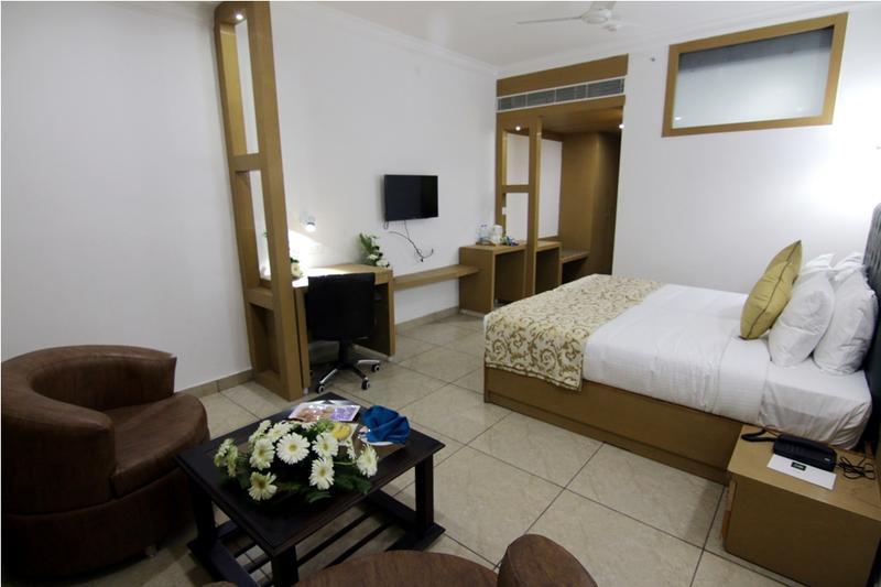 Hotel near Bari Brahman