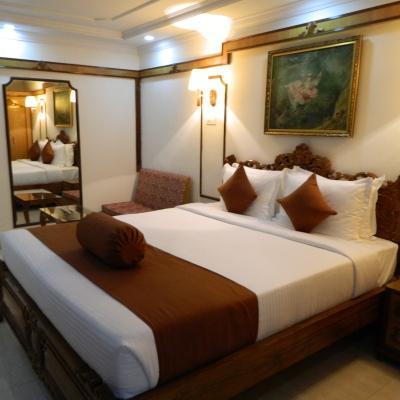 Hotel Thames International in Gariahat