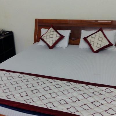 Hotel Oasis in Gomti Nagar
