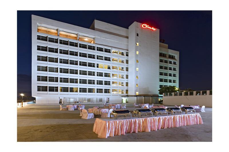 Clarks Avadh - Early check in