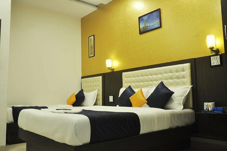 Hotel Aksa, Mumbai