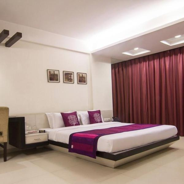 The Roa Hotel in Ghatkopar