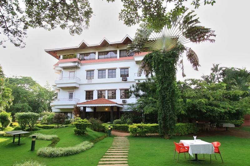 Hotel Royal Inn in Ring Road Junction