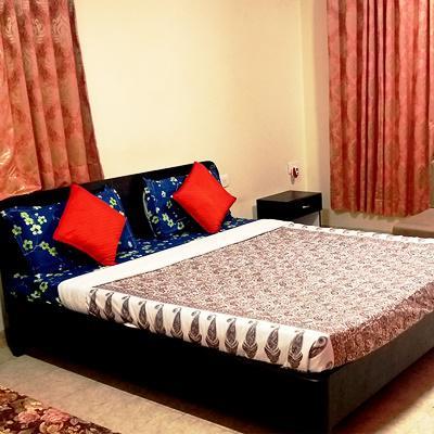Midway Park Resort in Atgaon