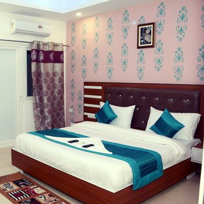 Hotel Noida Suites in Bishanpura Village