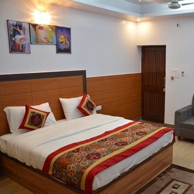 Hotel The Golden Sunrise in Patliputra Colony