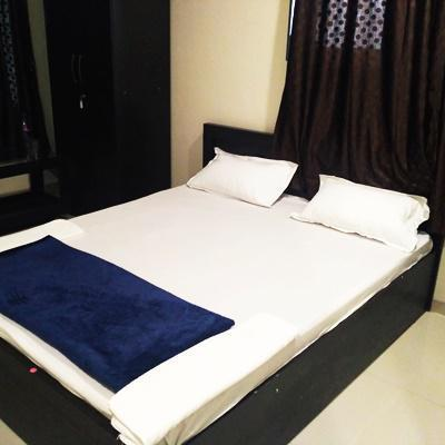 Hotel honey in Katraj