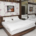 Hotel Silk in Hosangabad Road