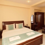 Lloyds Guest House, Near US Consulate in Royapettah