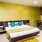 Hotel Midland in Kasturba Nagar