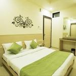 Hotel Cristal Park in MP Nagar