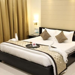 Hotel Raj Vista Suites & Conventions in Jalahalli West