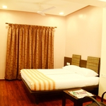 Hotel Rainbow in Alwarpet