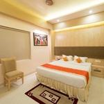 Hotel Ratana International in Kalyanpur