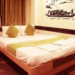 Hotel Nest Inn in Vashi
