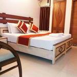 Hotel Kings Corner in Raja Park