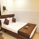 Hotel Sai Sharan in Bandra linking road